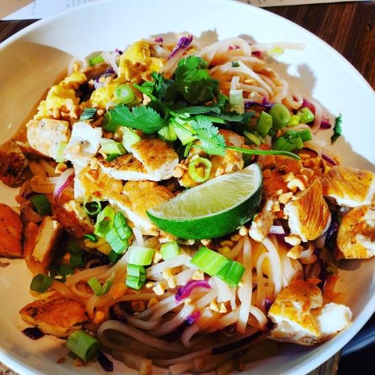 NOODLES AND COMPANY #noodlesandcompany #kalvinarailias #arizona #peoriaaz#peoriaarizona #noodles #chef#promoter #glendaleaz #phoenixaz #scottsdaleaz #tempeaz #mesaaz #food #foodtruckfestival #foodtruck #vendor #foodtruckpromoter #business #grilledchicken #meatballs #soups #pasta #meal #cuisine #foodtrucks